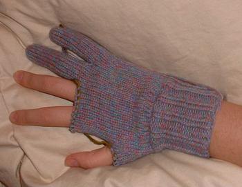 glove.10.19.03.JPG